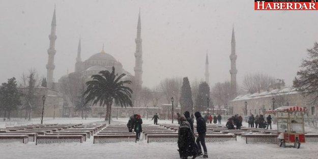 Meteoroloji'den İstanbul ve çevresi için kar yağışı uyarısı geldi.