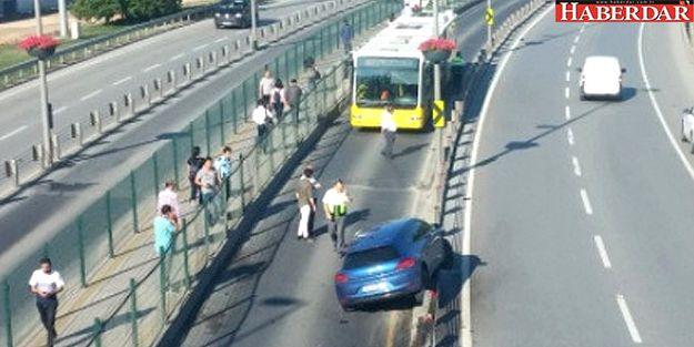 Metrobüs yolunda kaza… Seferler aksıyor