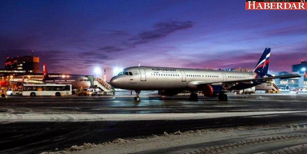 Moskova'da uçak bir kişiyi ezdi