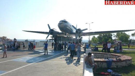 Müze Uçağın Kanadı Artık Tramplen Olarak Kullanılmıyor
