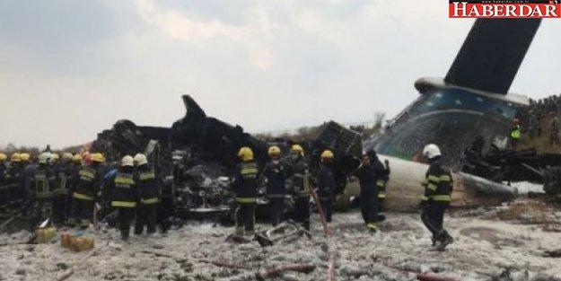 Nepal'de yolcu uçağı düştü: En az 38 ölü...