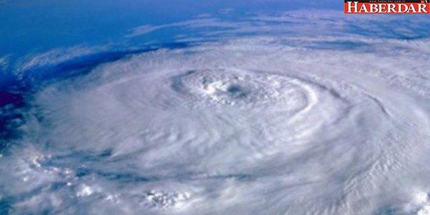 Önce Yunanistan'ı vurdu! Kırbaç Kasırgası Türkiye'ye geliyor