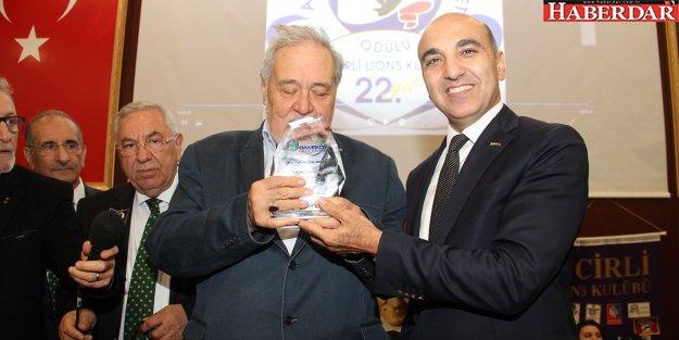 Ortaylı'ya 'Atatürkçü Düşünceye Hizmet Ödülü'
