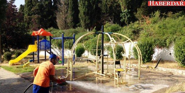 Oyun parkları çocuklarımız için dezenfekte ediliyor