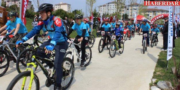 Büyükçekmece'de pedallar 23 Nisan için döndü