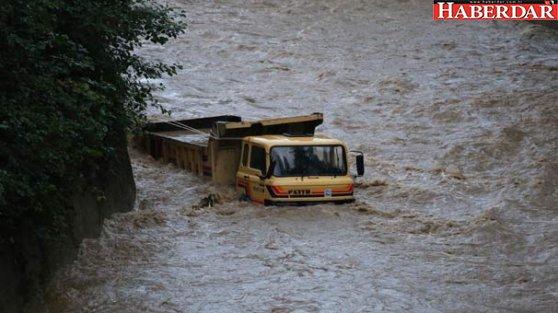 Rize'de şiddetli yağış: Ev çöktü... 1 ölü, 1 yaralı