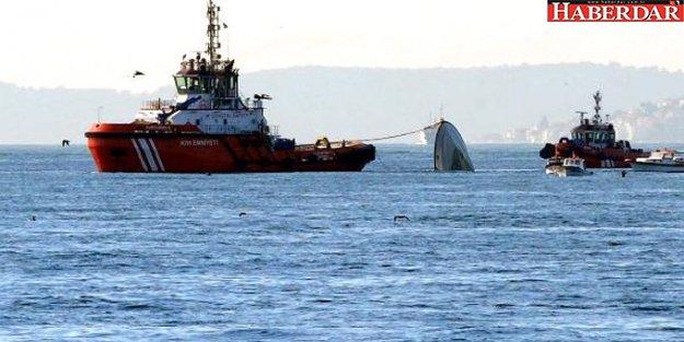 Sahil Güvenlik Botu Boğaz'da Yük Gemisi ile Çarpıştı!