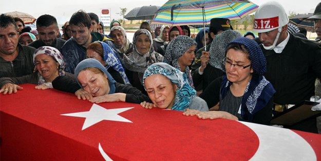 Şehit eşi isyan etti: 'Barış istiyordunuz, kocamın kanı döküldü hadi barışın!'