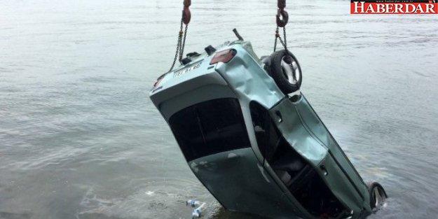 Silivri'de Alkollü Sürücü Denize Uçtu