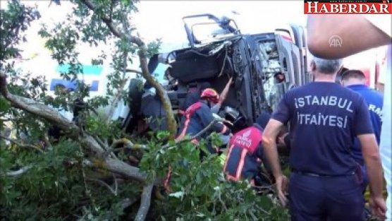 Silivri'de Beton Mikseri Devrildi 1 Ölü 1 Yaralı