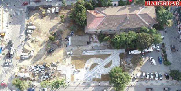 Silivri'de Kaymakamlık arkası meydan düzenlemesi sürüyor
