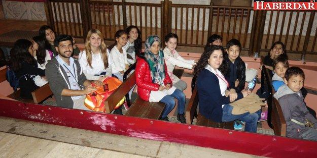 Suriyeli çocuklar gönüllerince eğlendi