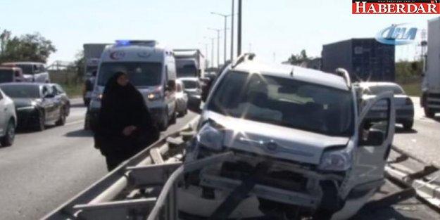 Tem'de Trafiği Kilitleyen Kaza: 4 Yaralı