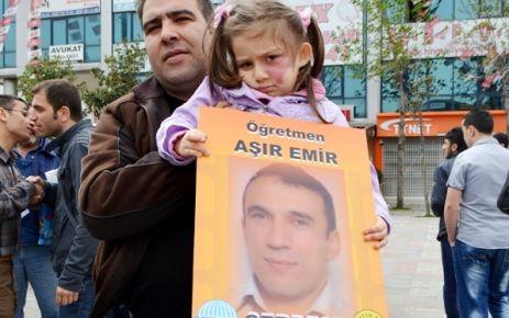 Tepeköy gençliği öğretmenine sahip çıktı