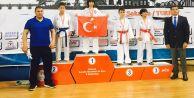 3 karateciden 3 altın madalya