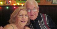 69 Yıl Aynı Yastığa Baş Koyan Çift, 40 Dakika Arayla Öldü
