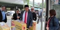 AK Parti Milletvekili Adayı Kıtaları Metrobüsle Aştı