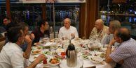 Akgün, Ramazanın ilk iftarında basın mensuplarını ağırladı