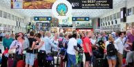 Antalya`ya 12 günde 30 bin Rus turist geldi