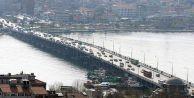 Atatürk Köprüsü#039;nde bakım çalışması