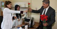 Azmi Ekinciden sağlık çalışanlarına çiçek