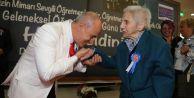 Başkan Akgün: Öğretmen, eli öpülecek insandır!