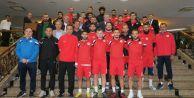 Başkan Cem Karadan futbolculara moral ziyareti
