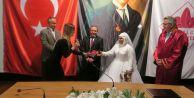 Başkan Kara nikahı kıydı, Meclis Üyesi Uzun şahit oldu