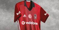 Beşiktaş, Yeni Formaların Türk Bayraklı Olmadığını Duyurdu