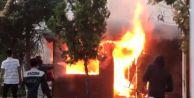 Beylikdüzü#039;nde Taksi Kulübesinde Korkutan Yangın