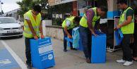Büyükçekmece'de işyerlerine geri dönüşüm kutuları yerleştiriliyor