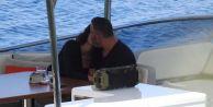 Cem Yılmaz ve Defne Samyeli aşk tatilinde