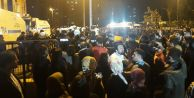 Çocuk istismarını protesto eden mahalleliye polis müdahalesi!
