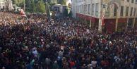 Cumartesi Anneleri 500. haftada: Binler Galatasaray Meydanı'nda