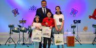 Dereceye giren öğrencilere ödülleri İmamoğlu#039;ndan