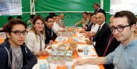 Dr. Kerimoğlu genç meslektaşlarıyla buluştu