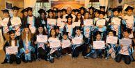 Drama yoluyla haklarını öğrenen çocuklara mezuniyet töreni
