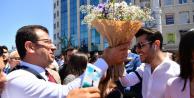 Ekrem İmamoğlu#039;na İstiklal Caddesi#039;nde sevgi seli