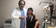Esencan'da ameliyat oldu, gözlüklere veda etti