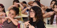 Esenyurt işaret dili öğreniyor