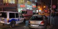 Esenyurt#039;ta polis aracına silahlı saldırı