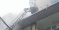Esenyurt#039;ta yangın çıkan dairede 3 kişi mahsur kaldı