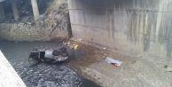 Esenyurtta araç su kanalına uçtu: 1 ölü