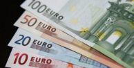 Euro ve sterlinde yeni rekor