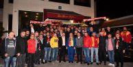 Fenerbahçe ve Galatasaray taraftarları derbi öncesi buluştu
