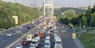 FSM#039;de 4 şerit kapatıldı, trafik sıkıştı