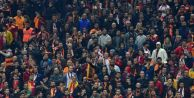 Galatasaraylı Taraftarlar, beIN Sports Spikerine Saldırdı