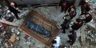 Halıya sarılmış ceset bulundu