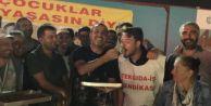Haluk Levent'ten işçilere baklavalı destek