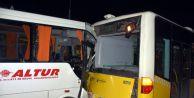Havalimanı Personelini Taşıyan Servis Aracı Kaza Yaptı: 8 Yaralı
